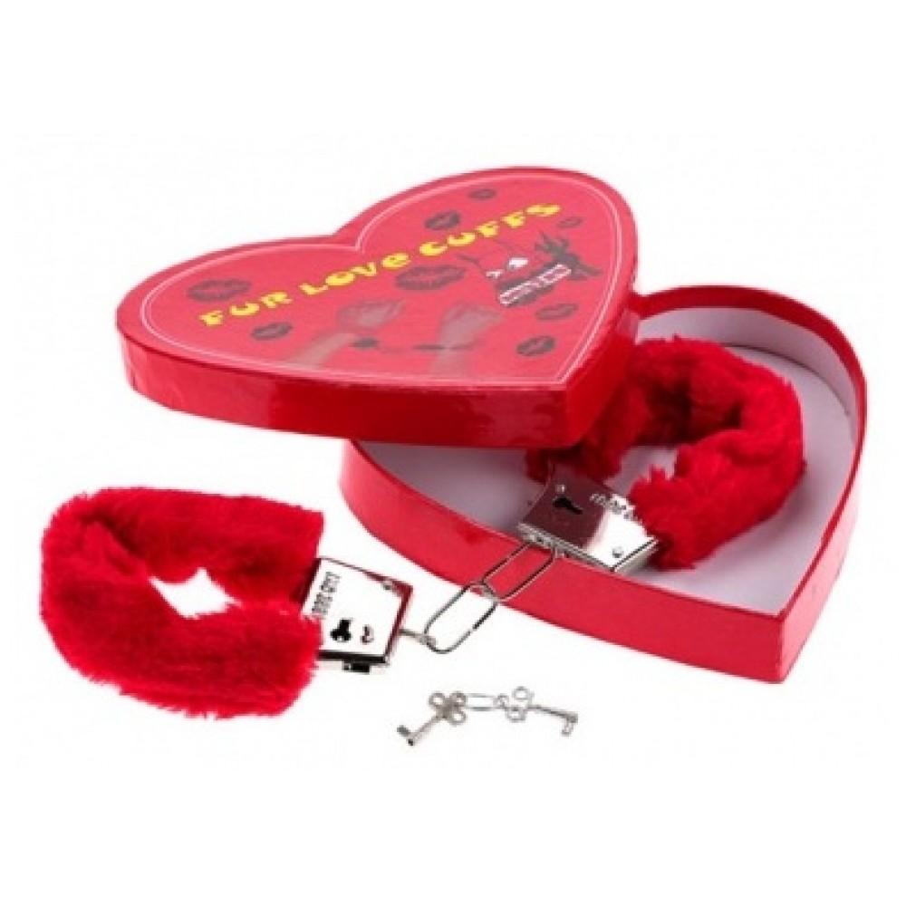 Наручники Fur Love Cuffs отличный сувенир для любимой фото 3